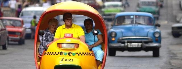 Cocotaxis por La Habana